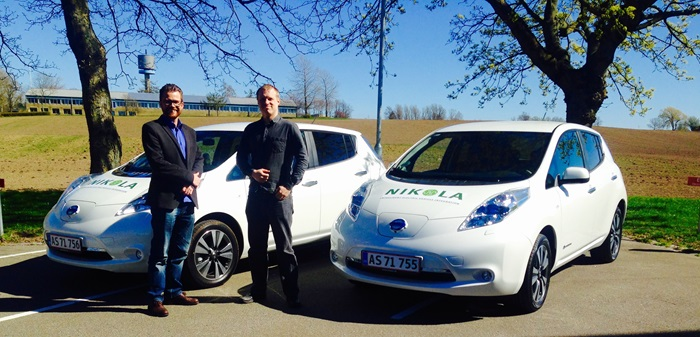 2 Nissan LEAF delivered to Risø Campus by Nissan representative